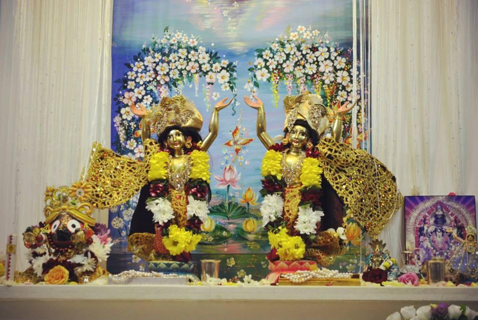 Их Светлости Шри Шри Нитай Гаурачандра