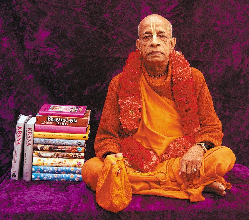 PrabhupadaWithBooks-1024x903